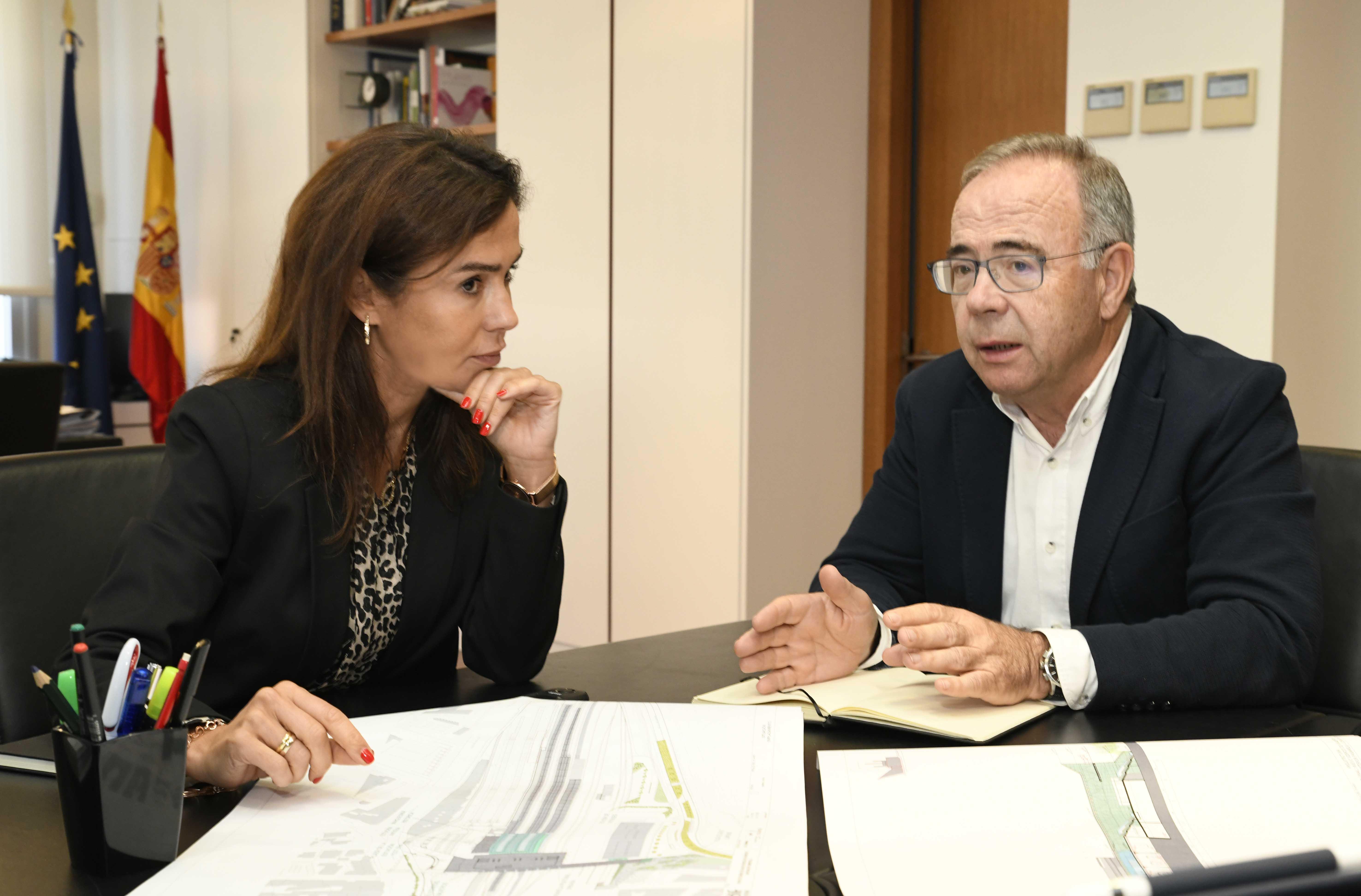 Isabel Pardo de Vera e Xosé Sánchez Bugallo durante o encontro.