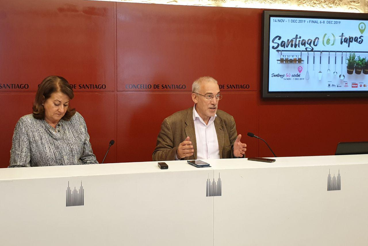 Sara Santos e Sindo Guinarte na rolda de presentación.