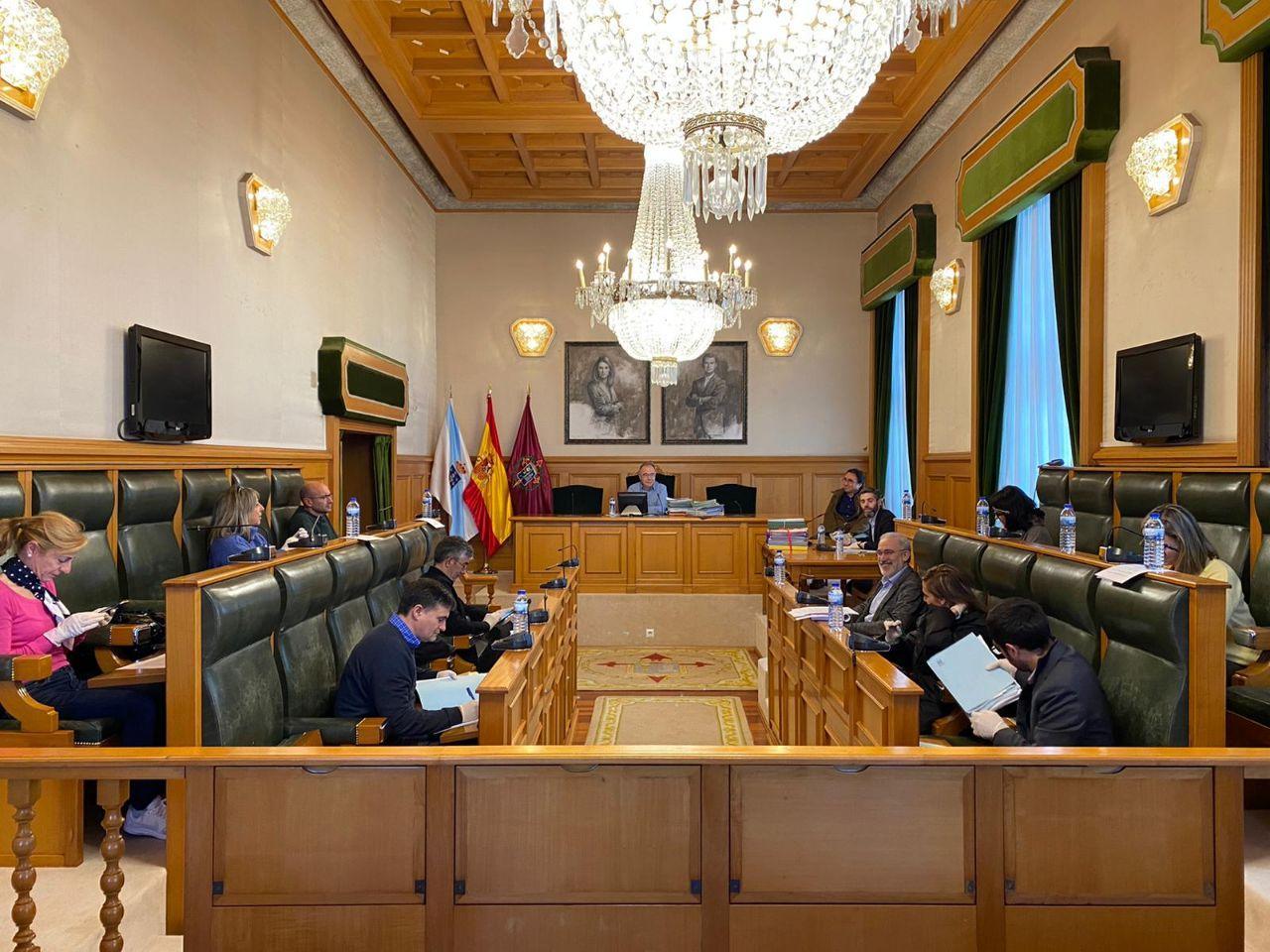 A Xunta de Goberno Local aproba un abano de medidas para aliviar a carga fiscal de familias e empresas